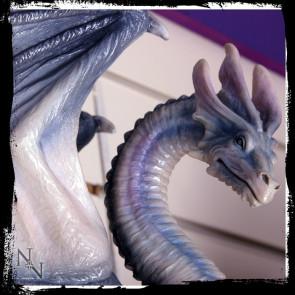 Dragon gris couché - Figurine
